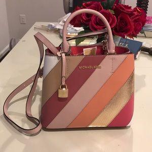 Michael Kors Leather MD messenger bag NEVER Worn